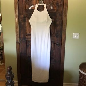 Cache backless white gown